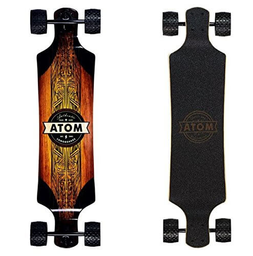 """Longboards Atom Atom Long-Terrain Longboard """"width ="""" 494 """"height ="""" 500 """"srcset ="""" https://altriders.com/wp-content/uploads/2018/07/atom-longboards-atom-all-terrain-longboard .jpg 494w, https://altriders.com/wp-content/uploads/2018/07/atom-longboards-atom-all-terrain-longboard-296x300.jpg 296w """"tailles ="""" (largeur max: 494px) 100vw , 494px"""